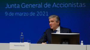 El fondo IFM se compromete a mantener a Naturgy en Bolsa y su sede en España