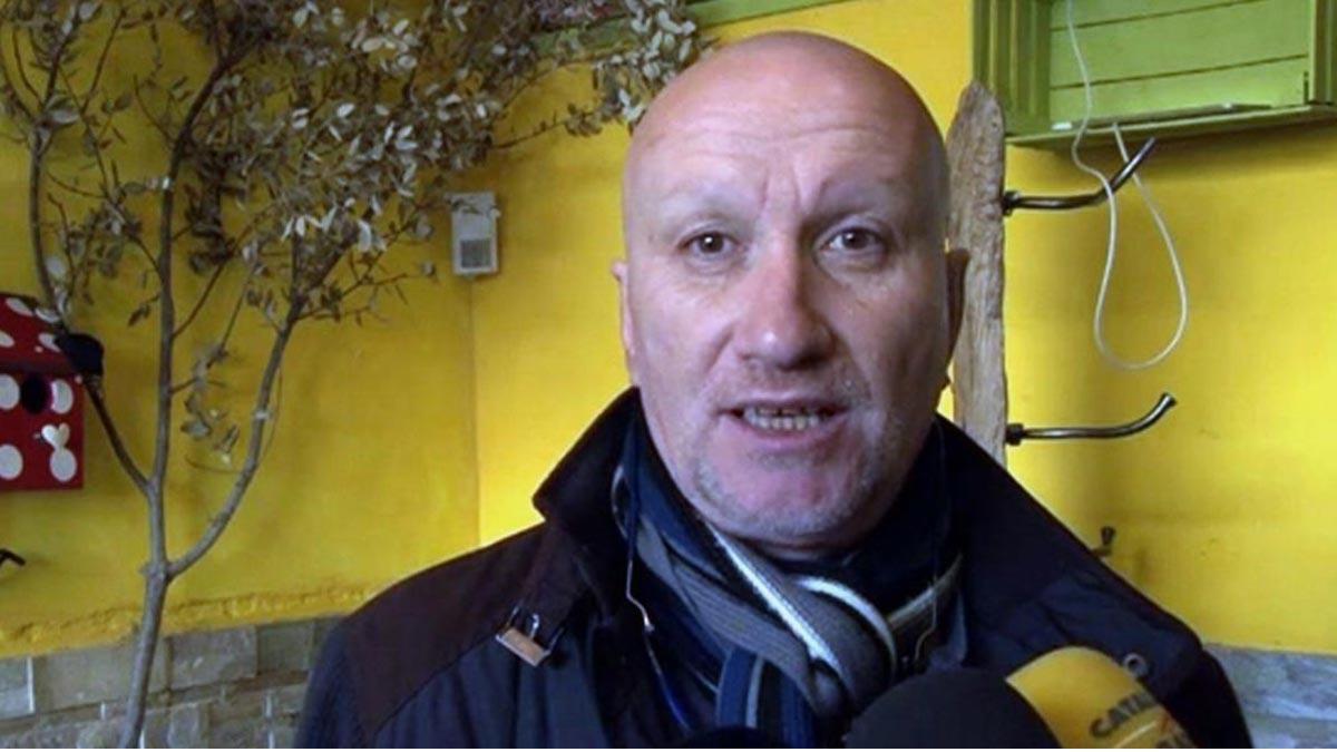 Fernando Blanco, padre de Nadia, entra en unas dependencias de la prisión de Lleida tras su puesta en libertad.