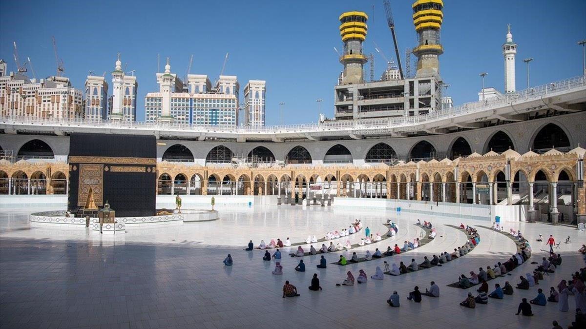 Un gurpo de musulmanes en La Meca.