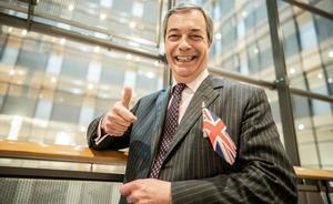 El líder antieuropeísta británico, Nigel Farage, en Bruselas tras una sesión del Europarlamento.
