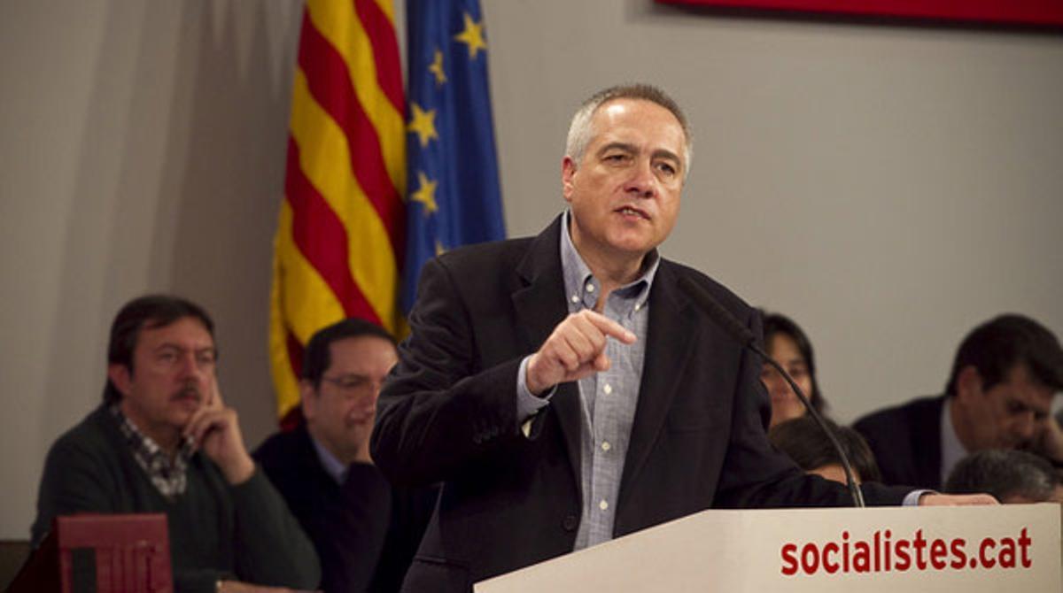 El primer secaretario del PSC, Pere Navarro, reconoce que el rey Juan Carlos I ha sido un buen rey pero propone su relevo