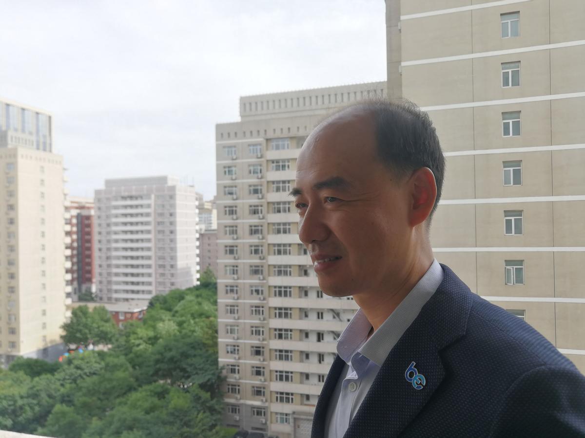 El activista medioambiental chino Ma Jun en su despacho de Pekín