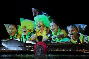 Sydney (Australia), 25/06/2020.- The Sydney Opera House is illuminated in support of Australia and New Zealand's joint bid to host the FIFA Women's World Cup 2023, in Sydney, Australia, 25 June 2020. FIFA will vote today who will be the host of women's FIFA 2023 World Cup. (Nueva Zelanda) EFE/EPA/BIANCA DE MARCHI AUSTRALIA AND NEW ZEALAND OUT