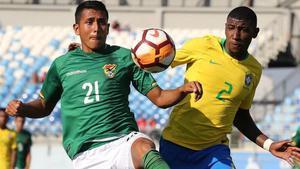 Emerson, durante un partido con Brasil en el campeonato sudamericano sub-20 en Chile.