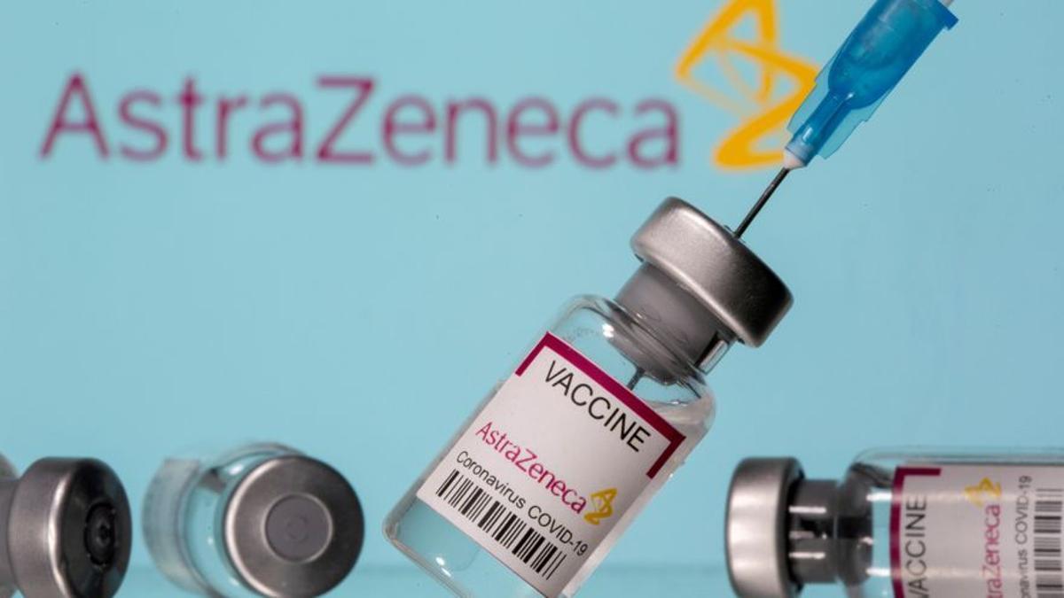 Salut investiga la muerte de dos hombres en Catalunya tras recibir la vacuna AstraZeneca