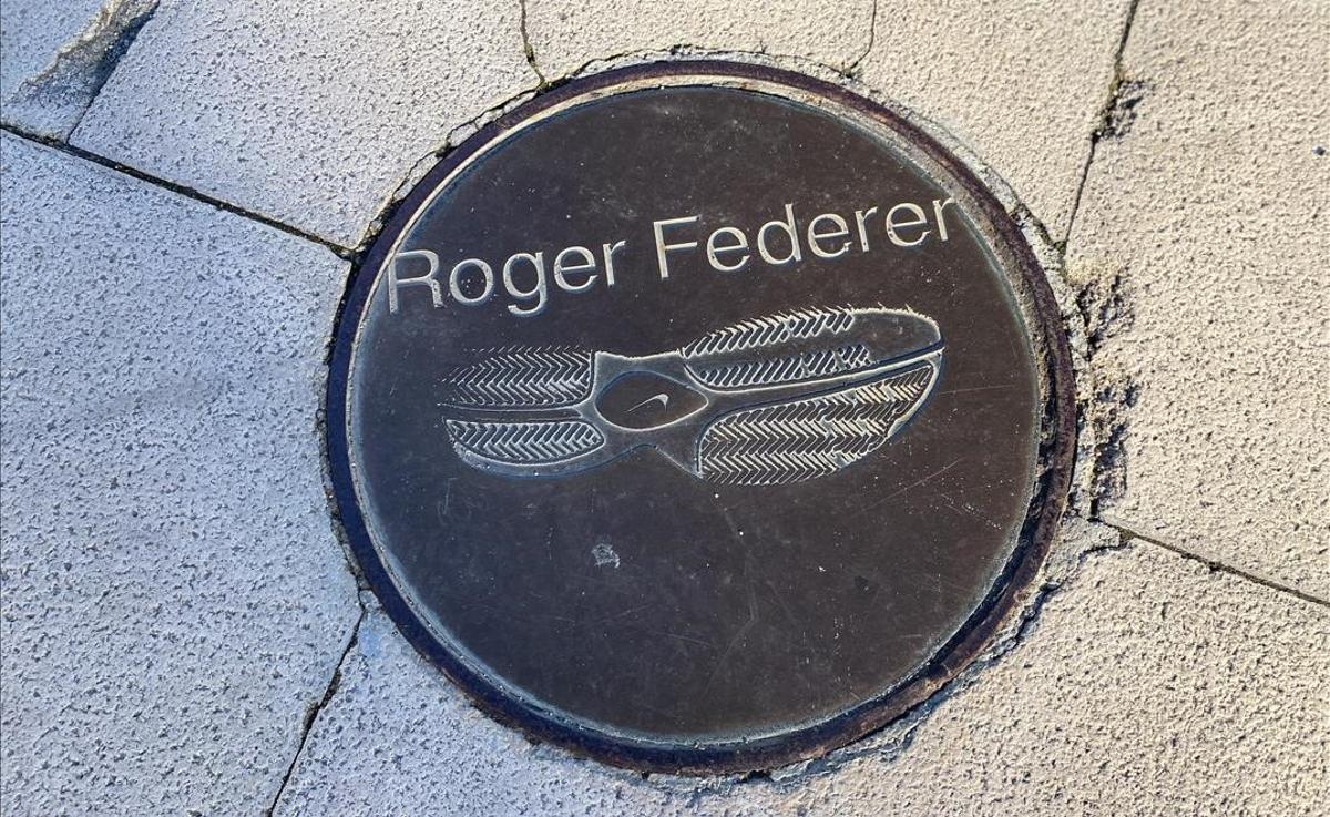 El pie de Roger Federer, tan elegante como su juego.