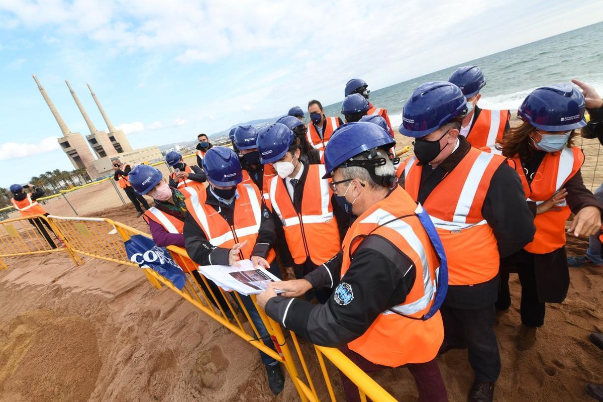 Presentación del proyecto en la playa de Sant Adrià.