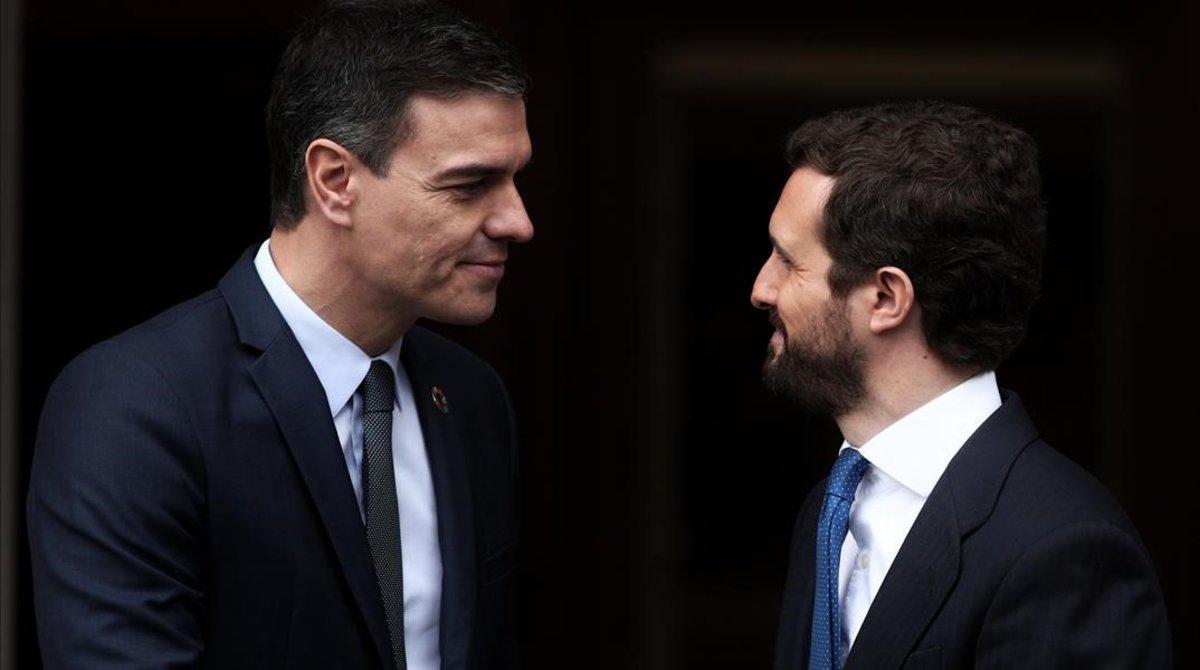 Sánchez y Casado, el 17 de febrero, en la Moncloa, su última reunión a solas en estos meses.
