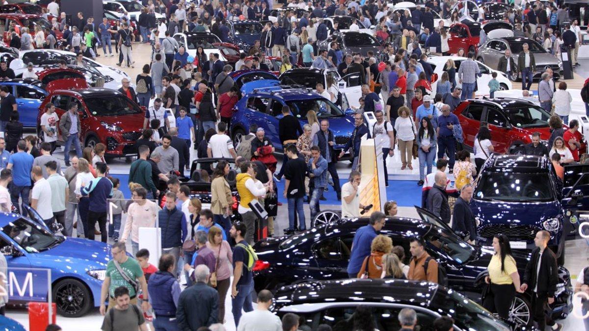 El público llenó el Automobile Barcelona.