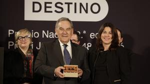 Víctor del Árbol y Lluís Foix, dos premios mirando al pasado