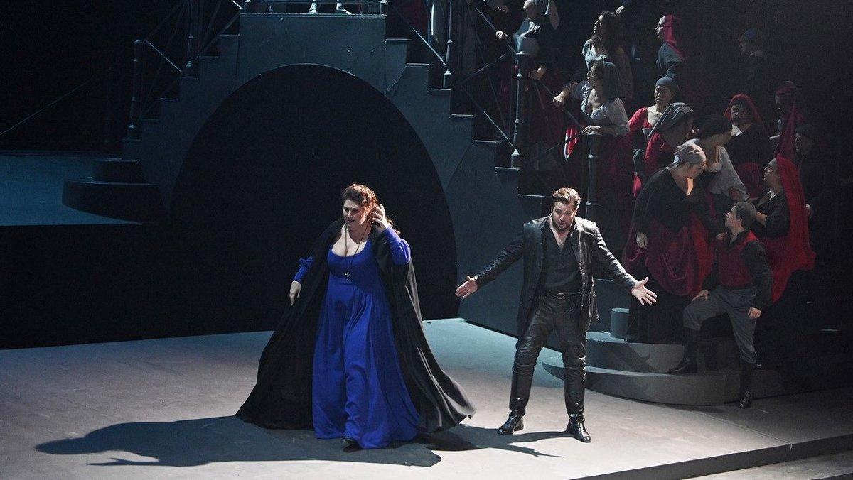 Anna Pirozzi y Brian Jadge, en un momento de la representación de 'La Gioconda'
