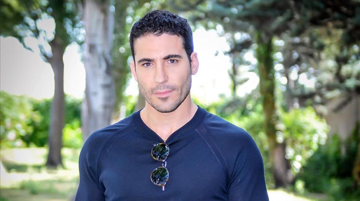 El actor Miguel Angel Silvestre, protagonista de la serie de Antena 3 TV 'Velvet'.