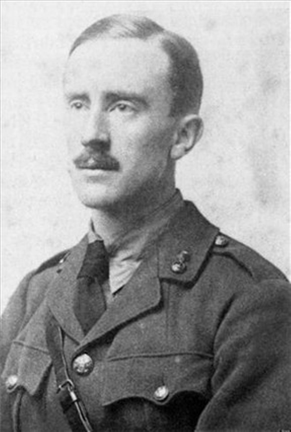 J. R. R. Tolkien en 1916.