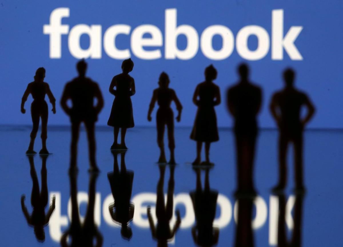Facebook sigue con problemas por el robo de información privada de sus usuarios.