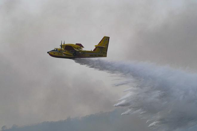 Italia pide ayuda para frenar los incendios en Cerdeña