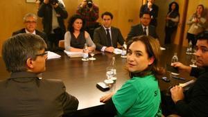 Ada Colau al frente de la negociación por la dación en pago con la delegación del PP en el Congreso.