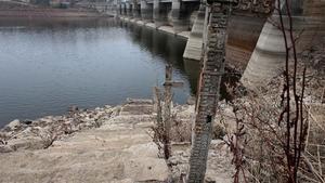 Els embassaments continuen perdent aigua
