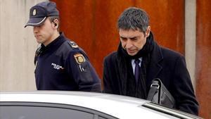 La Audiencia Nacional absuelve a Trapero. En la foto,Josep Lluis Trapero, el pasado mes de enero, saliendo de la Audiencia Nacional.