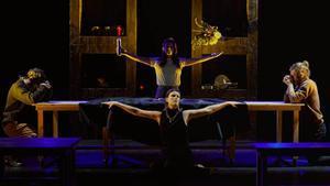 Una escena de 'La segona Eva', la nueva obra de Marta Aran interpretada por El Eje en el Tantarantana.