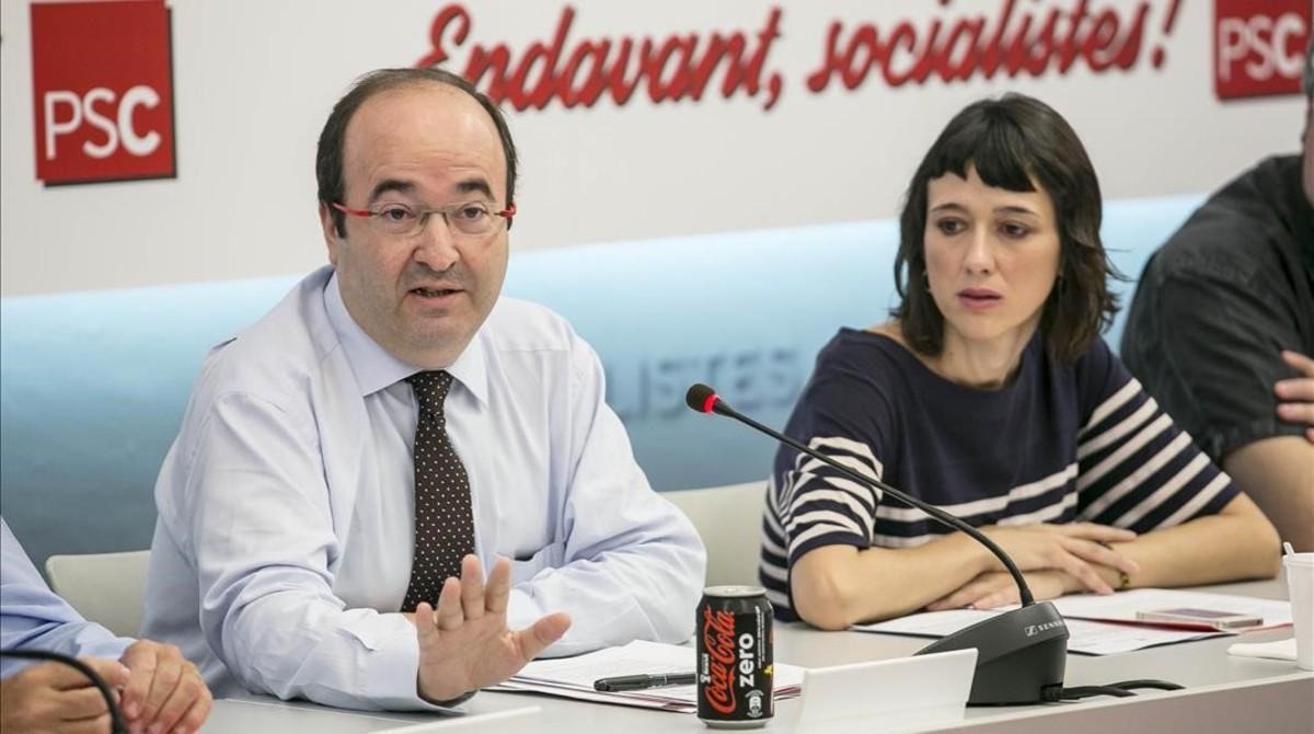 El primer secretario del PSC, Miquel Iceta, y la viceprimera secretaria y alcaldesa de Santa Coloma de Gramenet, Núria Parlón.