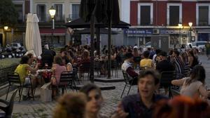 Terrazas en el barrio de la La Latinade Madrid.