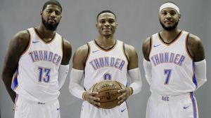 Paul George. Russell Westbrook y Carmelo Anthony, de los Oklahoma Thunder.