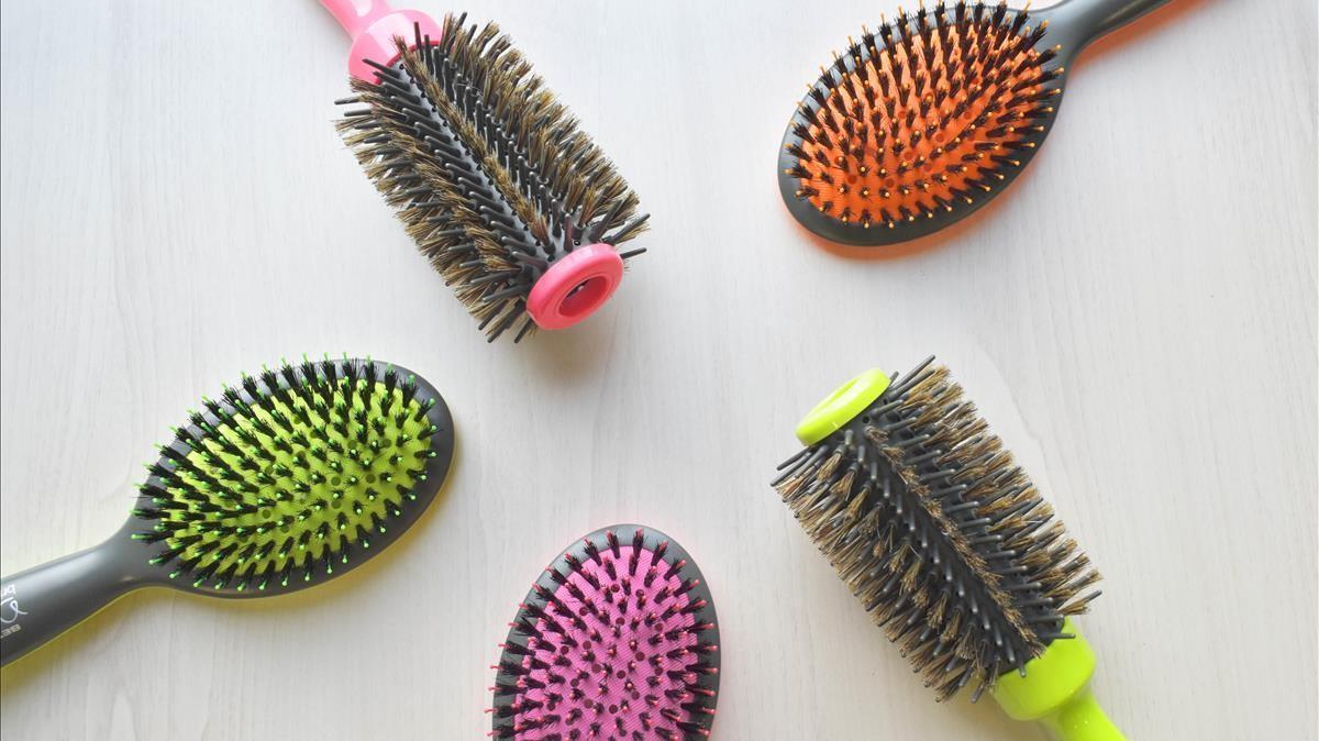 Cepillos Deslia Bright Dayelaborados con fibras de nailon y puas mixtas de jabali.