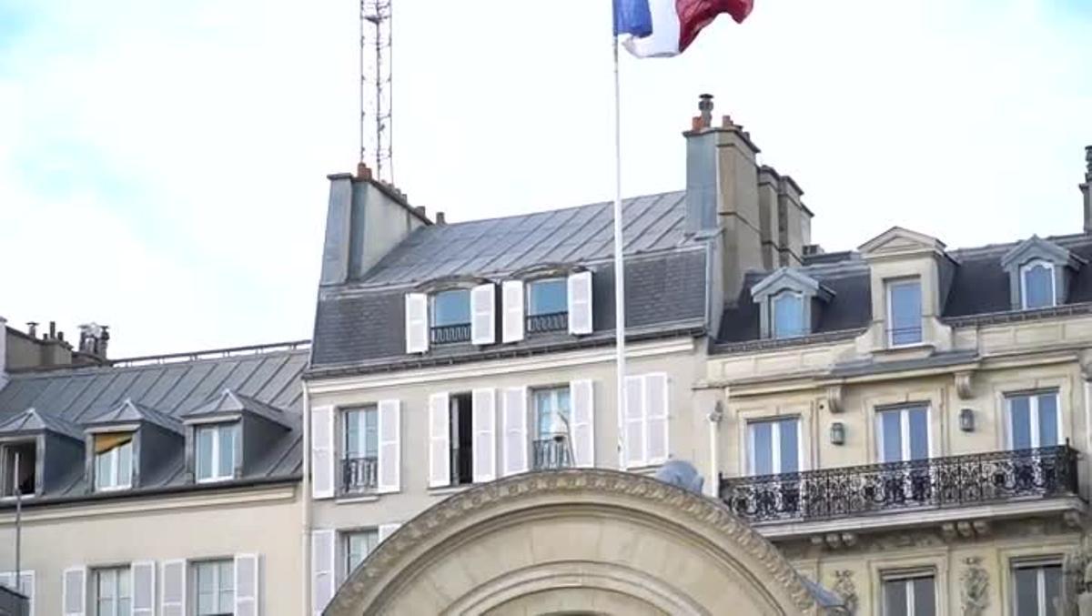 Macron y Sánchez se reunen en París.