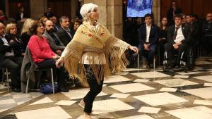 Baile durante la presentación del Consell per la República en el Palau de la Generalitat.
