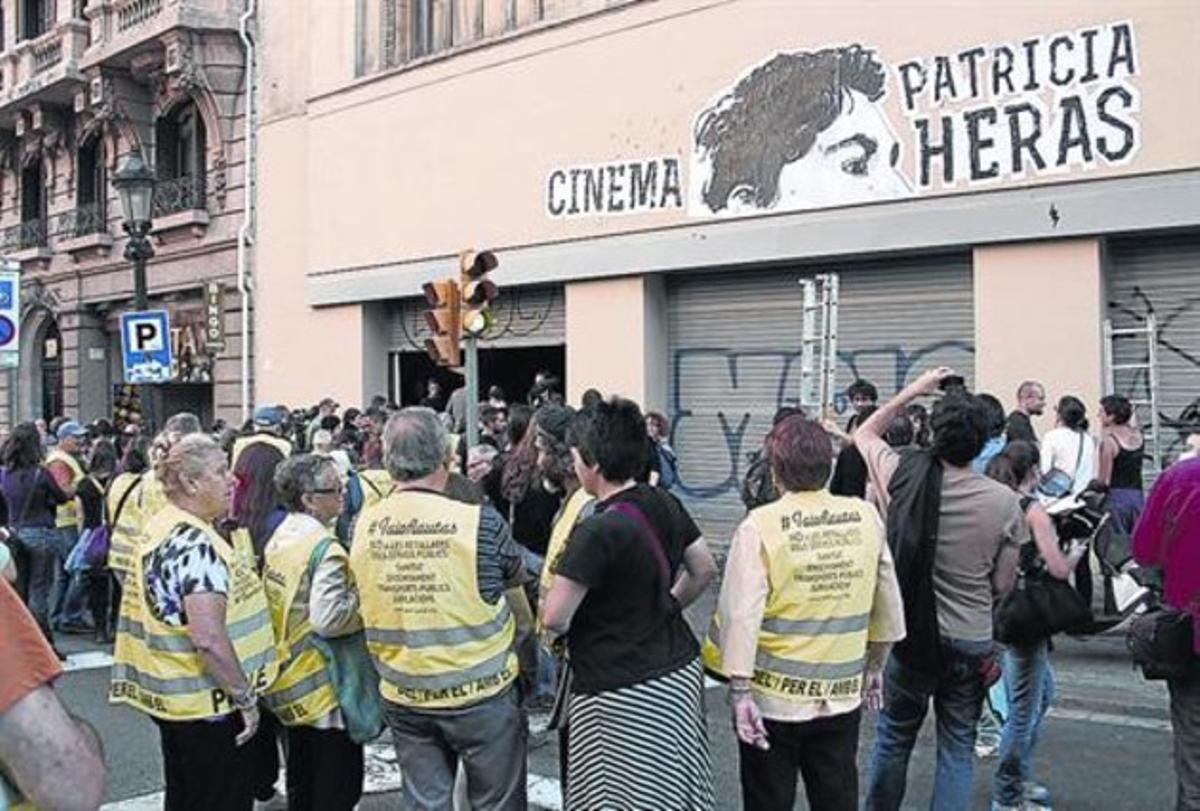 Okupación del Palacio del Cinema en el 2013, para pasar 'Ciutat morta'.