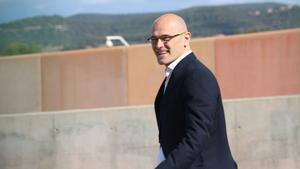 Raül Romeva sale de la cárcel de Lledoners.