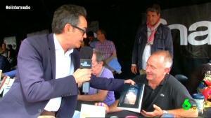 Santi Villas con el escritor Miquel Esteve.