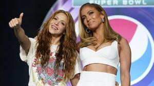 Shakira y Jennifer López, durante la rueda de prensa de este jueves en Miami.