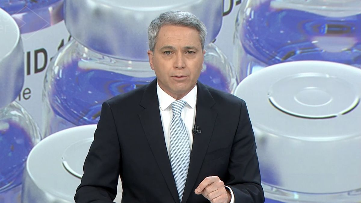 """Vicente Vallés, irónico al hablar de la cuenta atrás de Sánchez: """"Se limita a dar buenas noticias"""""""