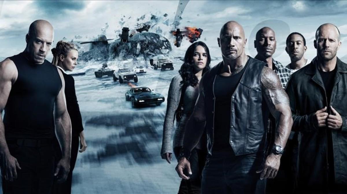 Vin Diesel, Charlize Theron, Michelle Rodríguez, The Rock, Tyrese Gibson, Ludacris y Jason Statham, en una imagen promocional de 'Fast & Furious 8'.