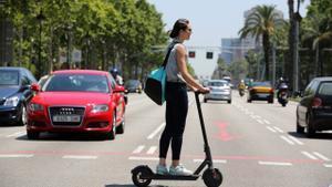 La Guardia Urbana de L'Hospitalet puso 750 denuncias a conductores de patinetes eléctricos durante 2020