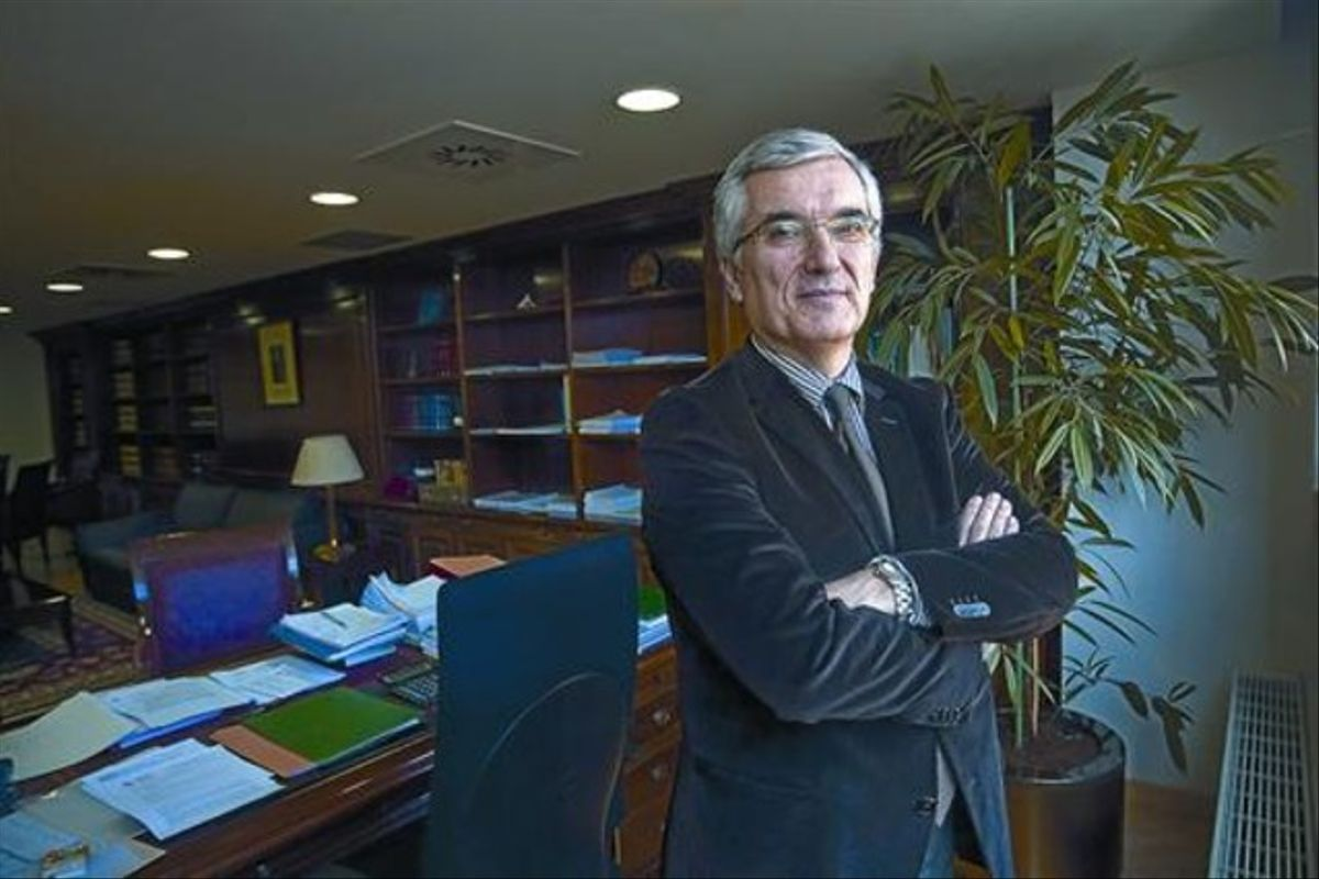 Gonzalo David García de Castro, en su despacho, en la delegación especial de Hacienda en Catalunya.