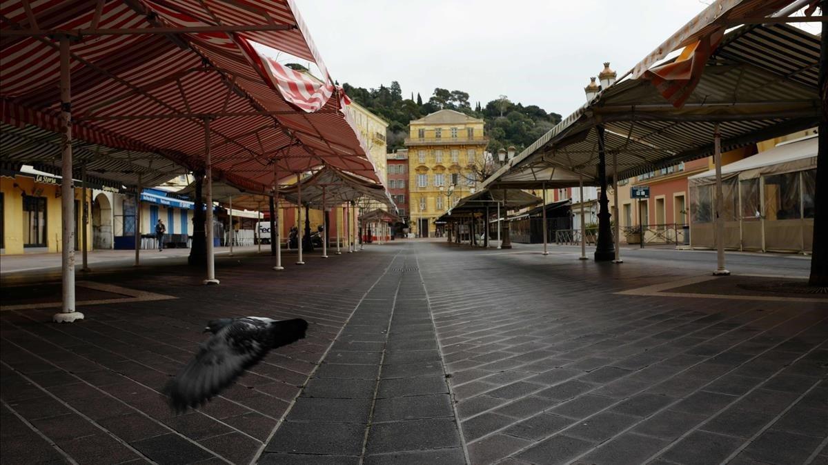 El mercado de flores de Niza, cerrado por la epidemia del coronavirus.
