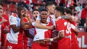 El Girona goleja l'Almeria i guanya confiança en el camí cap a Primera