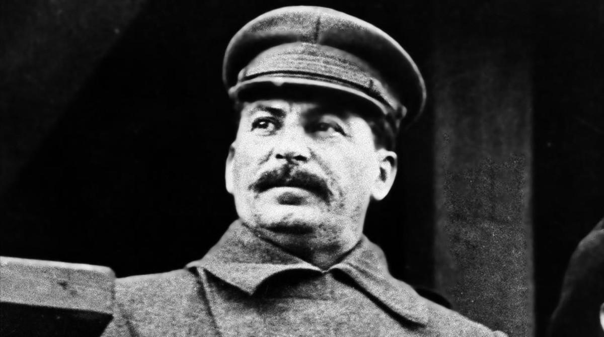 Jugando en la plaza Roja para entretener a Stalin