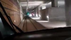 Los trenes, por fin, circulando por el interior de la Sagrera