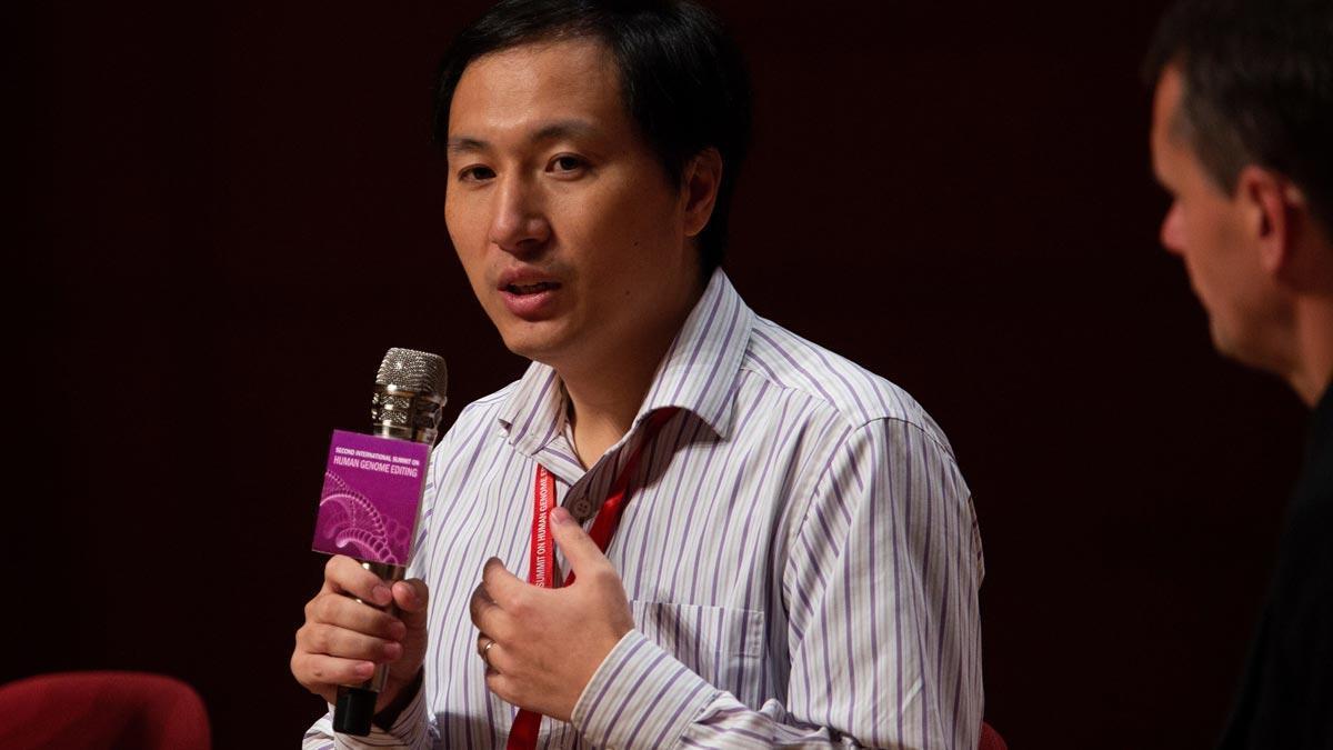 El científico chino defiende efectividad de su estudio de modificación genética.