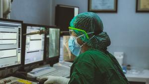 La digitalització de la Sanitat també té la seva creu: és una diana per a 'hackers'