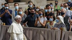 El Papa reprèn el contacte amb els fidels després de sis mesos reclòs