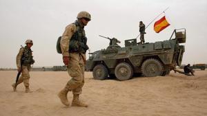 Tropas españiolas en Nayaf, Irak, en el 2004.