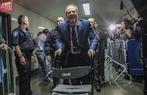 El jurat de Weinstein arrenca les seves deliberacions entre turbulències