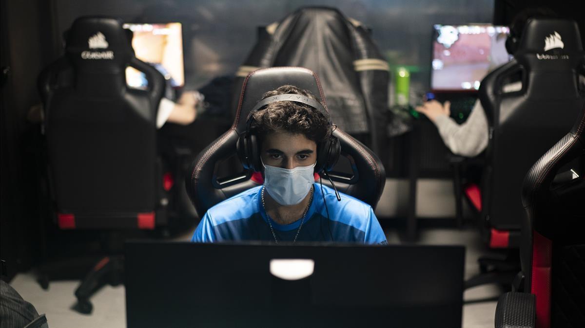 'Gamers' en el local de Barcelona Elite Gaming Center.