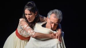 Sara Blanch y Carlos Chausson, en el Romea, el lunes.