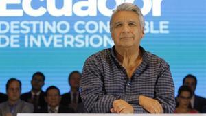 El presidente de Ecuador, Lenin Moreno, mientras exponesu interpretacion del acososexual en Guayaquil.