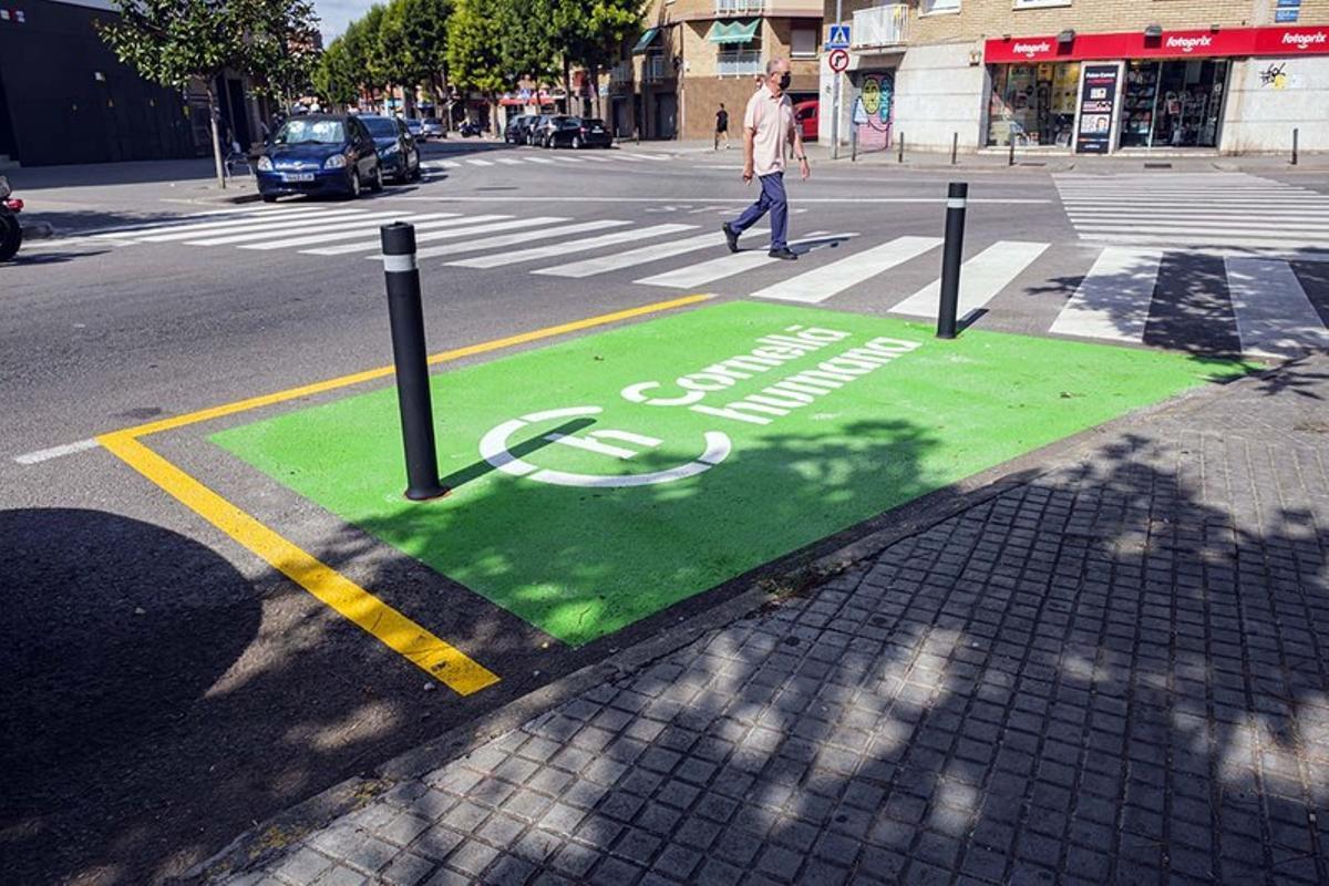 Cornellà mejora los pasos de peatones para hacerlos más visibles y seguros